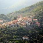 Blick auf das Dorf Villa Faraldi