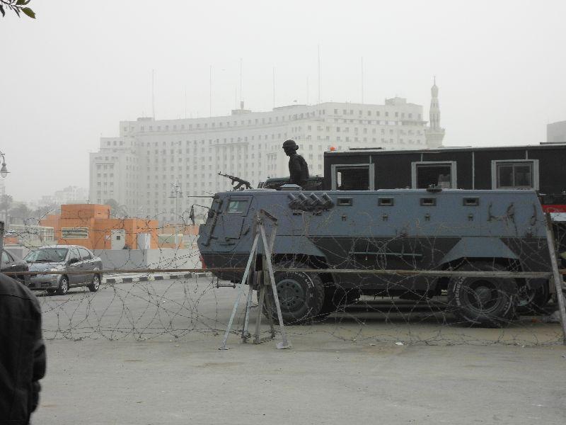 Panzer vor dem Ägyptischen Museum in Kairo
